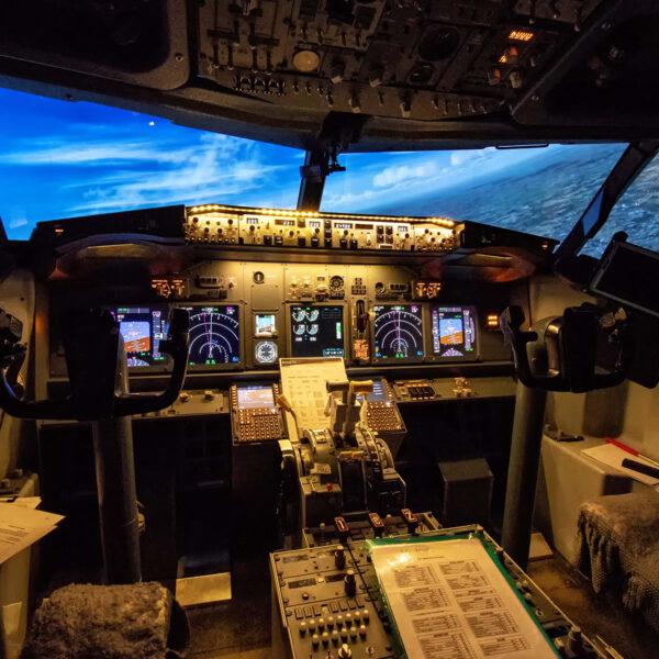 737 800 simulator