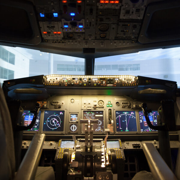 Fixed base 737 800 simulator