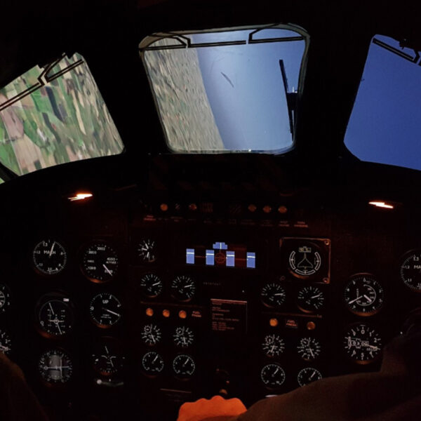 Vulcan Bomber Simulator View from plane on side