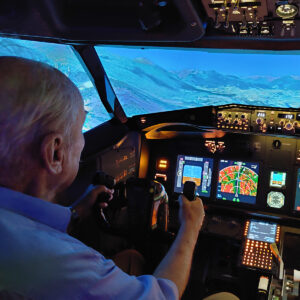 737 800 simulator Old man flies solo
