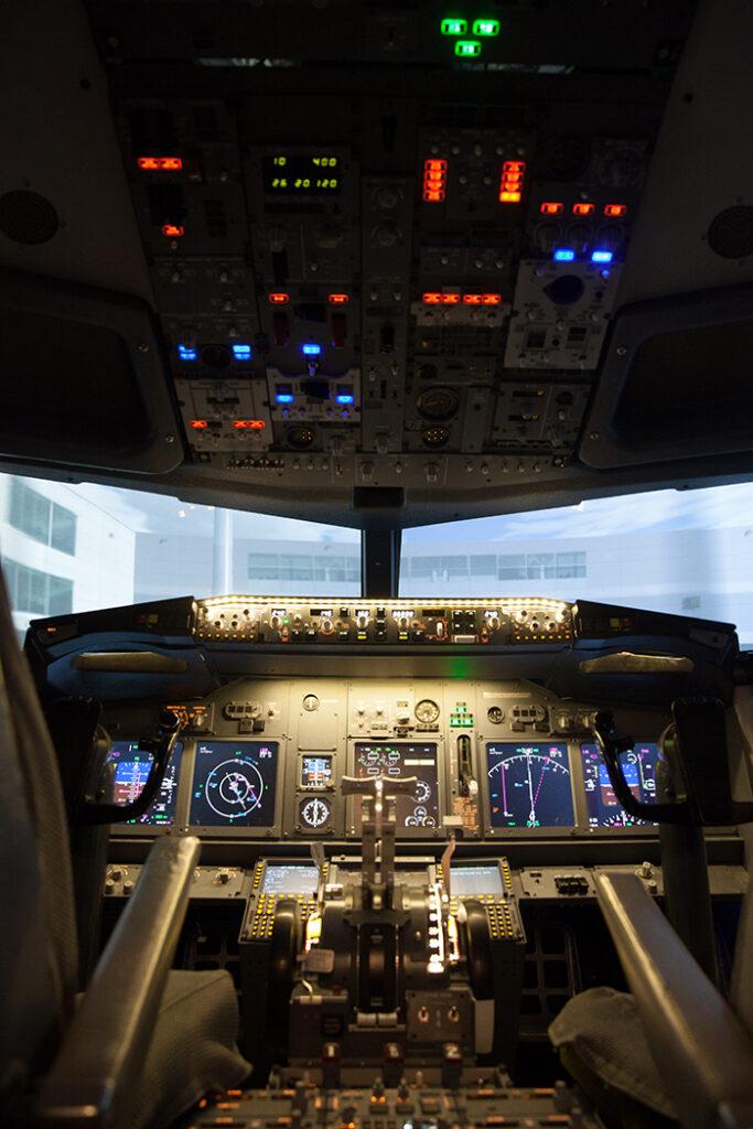 Portrait view of 737 800 Simulator