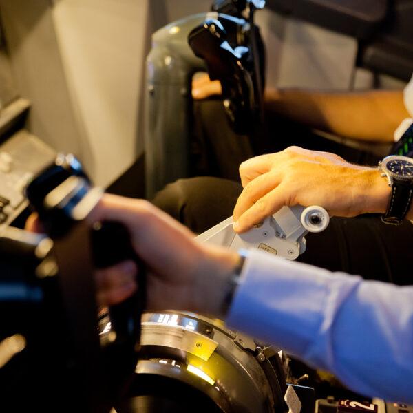 Hands on equipment 737 800 Simulator
