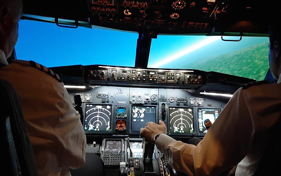 Full Motion Simulator two pilots